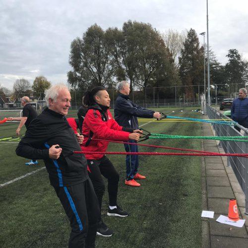 'Ren je Rot' spelletjes bij RKSV Mierlo-Hout samen met Helmond Sport spelers