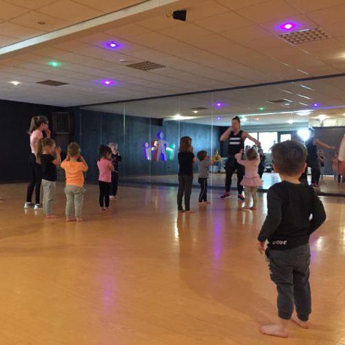 Kidsswing In Motion Dans